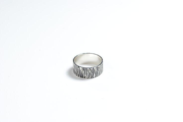Texture- ring. sterling silver. Jade Pauzé, 2014