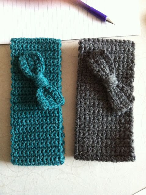 Lækre hæklede pandebånd i Naturuld. Jeg laver dem i mange bredder og med forskellig pynt :-) Lav et selv! Materiale: Naturuld og hæklenål...