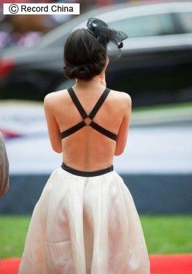 ▼12May2014レコードチャイナ|リン・チーリンのドレス姿に熱視線!美しい背中たっぷり、痛恨ミス挽回―北京市 http://www.recordchina.co.jp/group.php?groupid=87903type= #林志玲 #Lin_Chi_ling #Lin_Chiling #リン_チーリン #Lâm_Chí_Linh #린즈링 หลิน จื้อหลิง