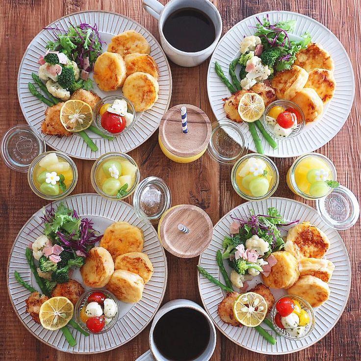 Nov.12 today's breakfast + オレンジ食パンのフレンチトースト 帆立のフライ ブロッコリーとカリフラワーのサラダ カプレーゼ オレンジゼリー であさごはん + 今日はパン焼いてなかったので 冷凍していたパン屋さんのオレンジ食パンで フレンチトーストに オレンジピールが爽やかでフレンチトーストにすると とっても美味しくて家族みんな大好き♡ 帆立のフライには青ゆずをキュッと絞って 青ゆずが大好きで冷蔵庫にたくさんストック 青ゆず酵母もいい感じに発酵してくれました♡ 来週は元種起こしてパン作ろう + #おうち#おうち時間#おうちじかん#おうちごはん#あさごはん#朝ごはん#breakfast#オレンジ食パン#フレンチトースト#frenchtoast#オレンジゼリー#おうちカフェ#おうちcafe#スタジオエム#スタジオm#weck#デロンギ朝カフェ#デロンギアクティブシリーズ#アクティブレッド#lin_stagrammer#delistagrammer#foodstagram#cookingram#豊かな食卓#foodpic#日々