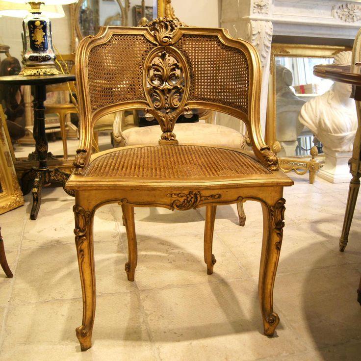 les 25 meilleures id es de la cat gorie style louis xv sur pinterest d cor patin chaise. Black Bedroom Furniture Sets. Home Design Ideas