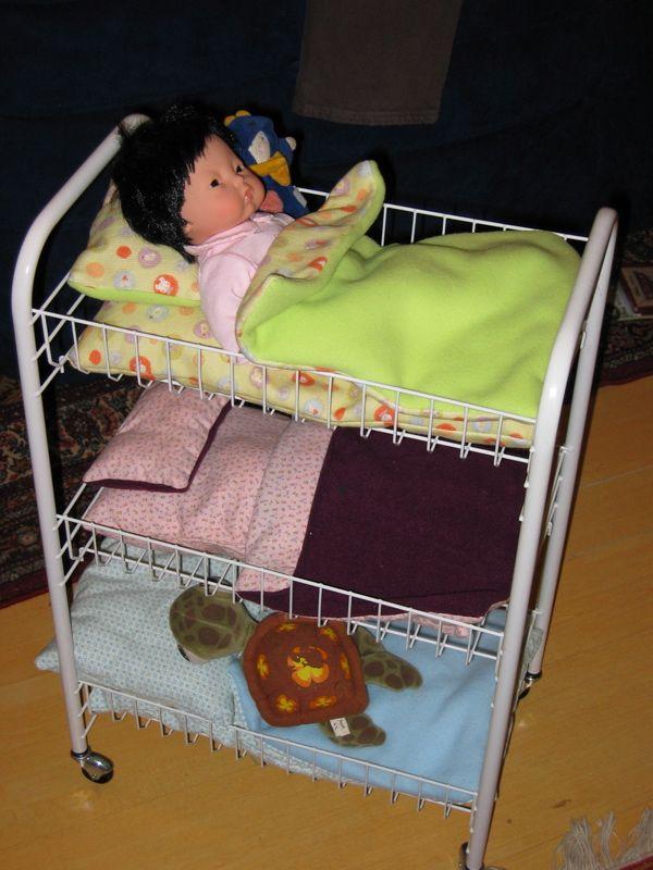 Lits superposées pour poupées