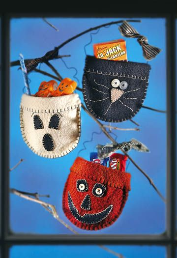 A Haunting We Will Go Candy Pockets - Crafts 'n things made these years go, used pipecleaners for handle