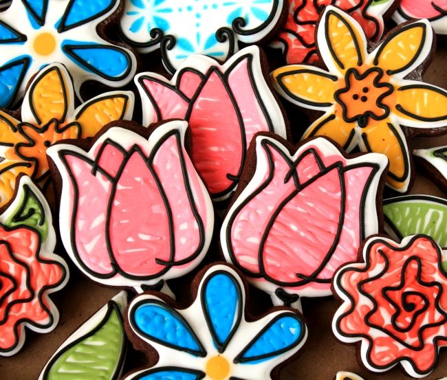 LilaLoa: Quick Graphic Style Decorated Tulip Cookies