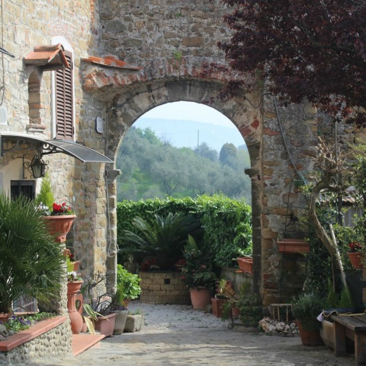 We walked to Stignano this morning - another beautiful hillside village in Tuscany.