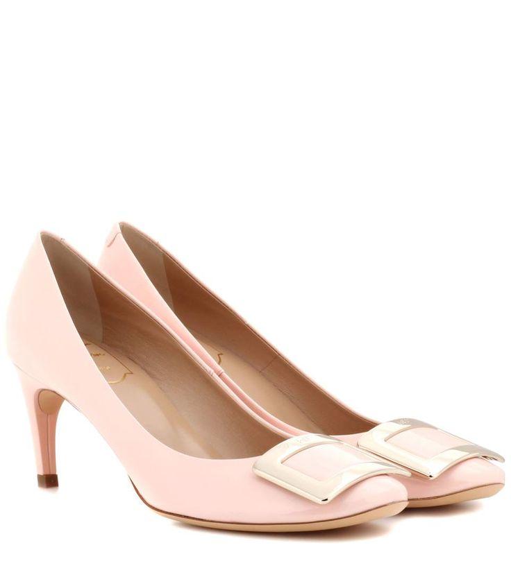 ROGER VIVIER Belle De Nuit Patent Leather Pumps. #rogervivier #shoes #pumps