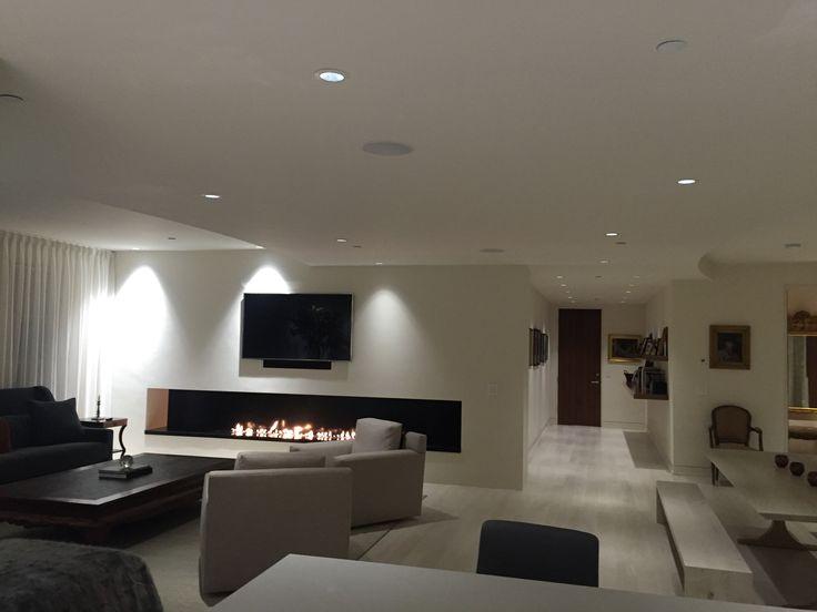 1000 id es sur le th me chemin e de t l vision sur. Black Bedroom Furniture Sets. Home Design Ideas