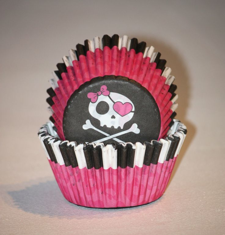 24 Pirate Cupcake Liners Cross and Bones Cupcake Papers Black White striped Baking Cups Pink Party Cups Princess Birthday Party, Baby Shower.