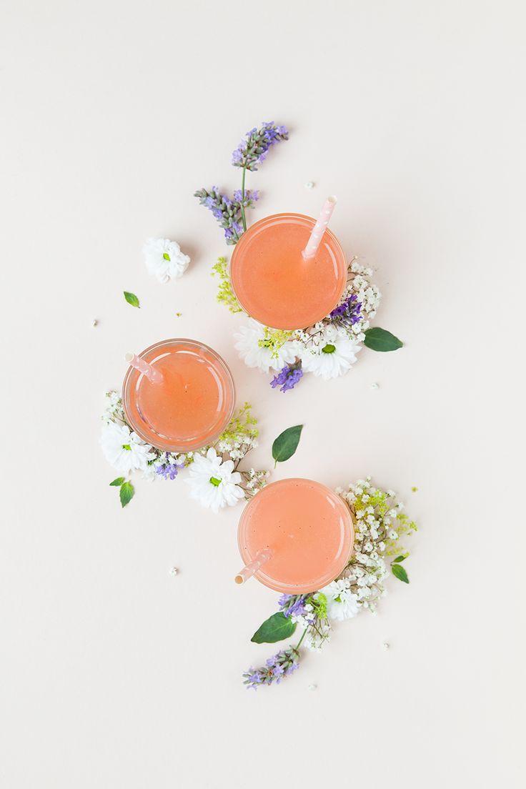 Limonade Pamplemousse, Rhubarbe. Romarin from @mylittlefabric | l'idée et toute la mise en scène autour de ces limonades me plais beaucoup
