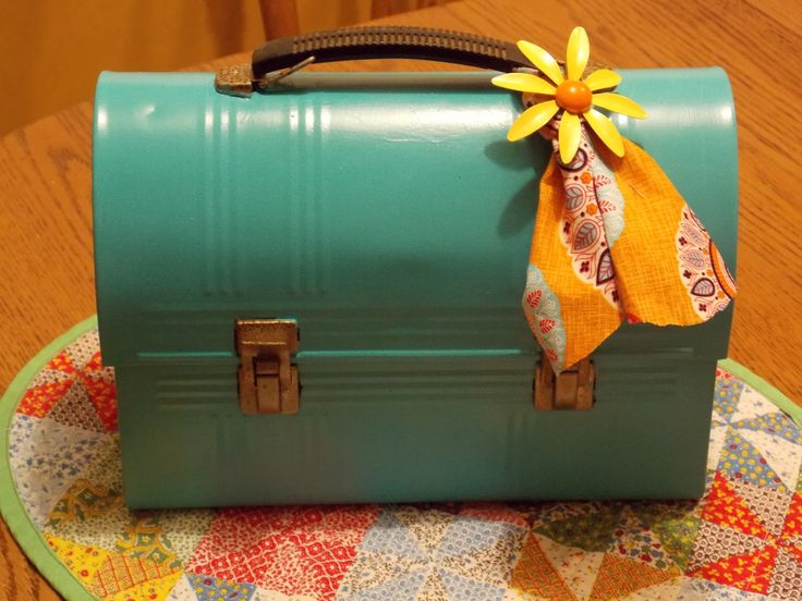 Vintage lunch box Purse