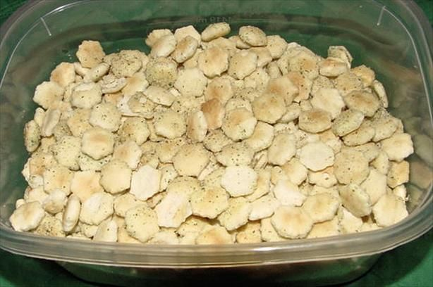 Quick Cheesy Oyster Cracker Snack, I love that you can fix this in a skillet!