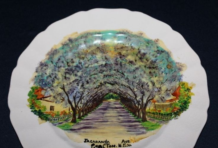 Vintage Ceramic Wall Plate Souvenir Of GRAFTON NSW Hand Painted Jacaranda Ave
