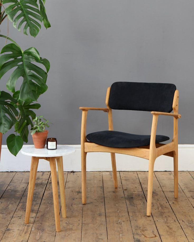 We love this oak chair designed by Erik Buch 〰 this one is newly upholstered for a customer but we have two more available in store and online, plus a whole range of fabrics to choose from 🖤 #erikbuch #forestlondon #midcentury