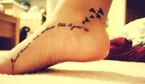 50 Charming Foot Tattoo Designs - Sortrature