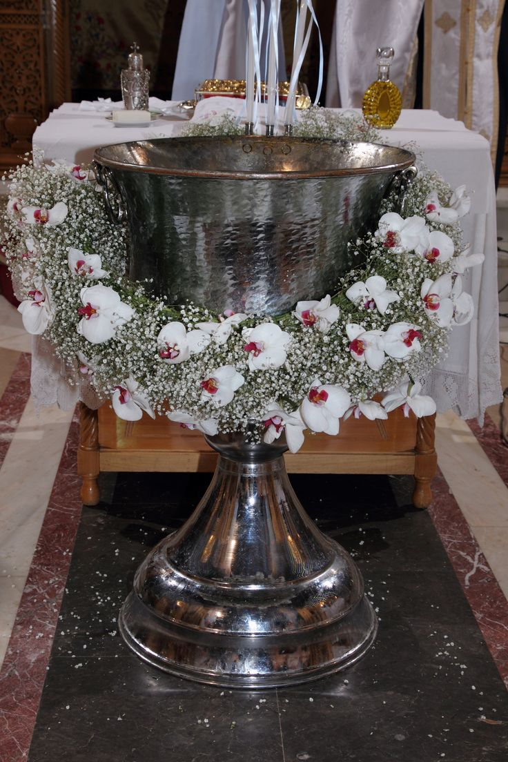 #babiesbreath#phalenopsis garlant for baptismal font