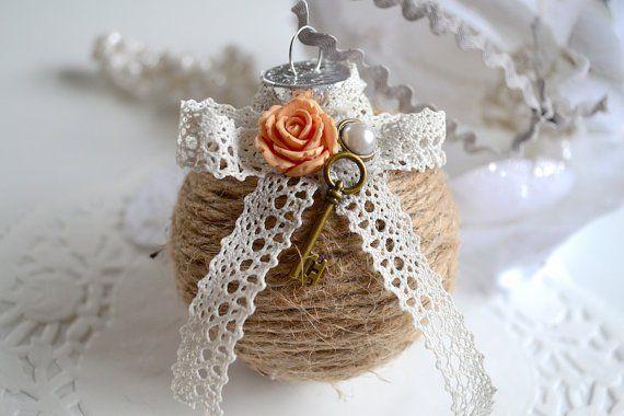 fai da te ornamento di Natale, decorazioni chiave e fiori