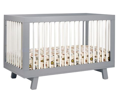 Delight in mid-century modern appeal with the Hudson 3-in-1 Convertible Crib from Babyletto. Stylish rounded spindles bring a simple charm, and give the Hudson Crib an open, radiant feel.