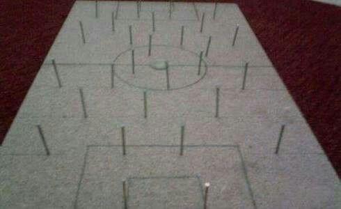 Çivili tahtada futbol :-)
