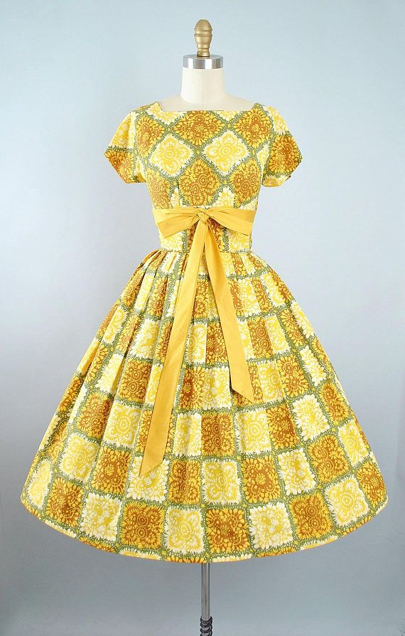 Vintage 50s Dress / 1950s Cotton Sundress Gold Yellow Green