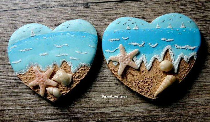 Piernikowe Serca:  sandy beach on a heart shaped cookie