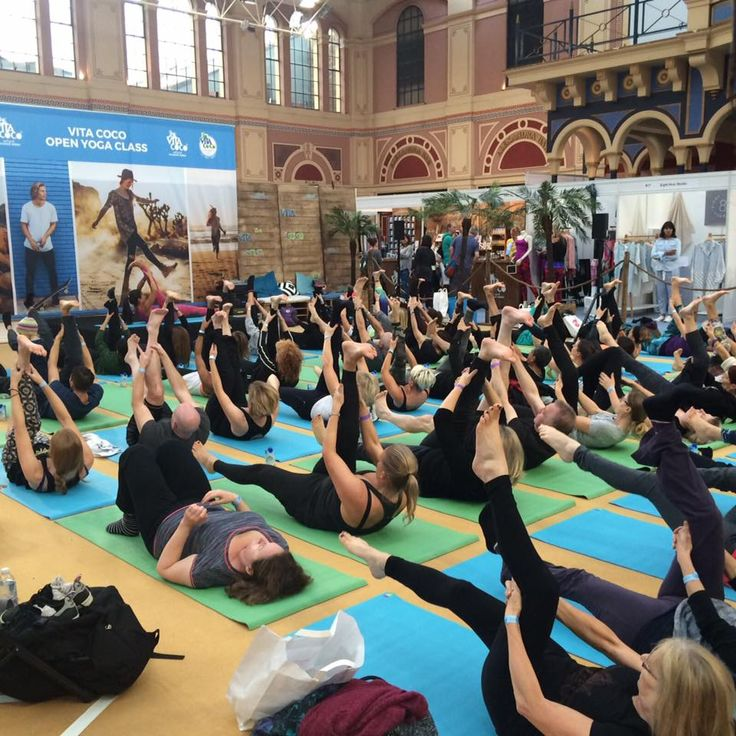 Our amazing class today at the OM Yoga Show at Alexandra Palace with our lovely Wellicious Ambassador Tara Lee Yoga at the Vita Coco Coconut Water open class ❤ Make sure you come down to stand P13 this weekend for amazing offers with our beautiful Wellicious clothing!!