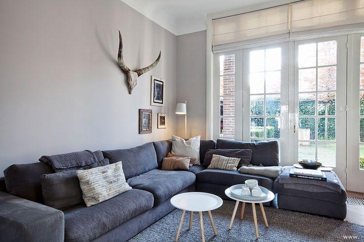 Grijs vloerkleed interieur pinterest frames for Donker interieur