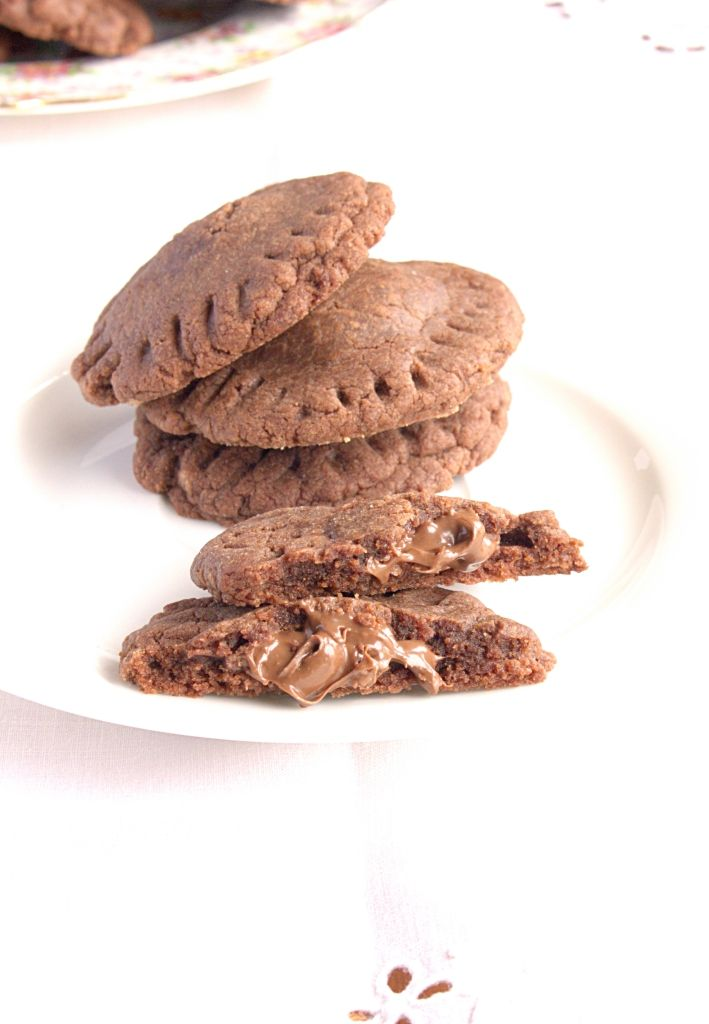 3 Ingredient Nutella Stuffed Cookies - chewy, soft baked cookies with an oozing Nutella core
