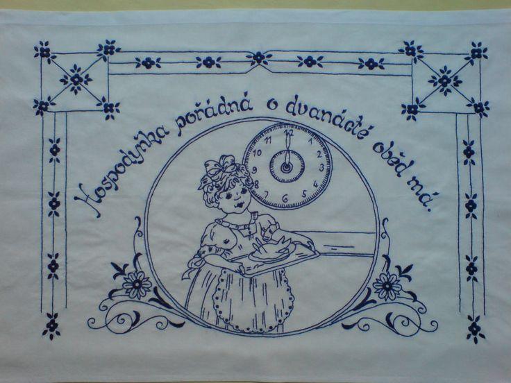 Vyšívaná kuchařka Ručně vyšívané bavlněné bílé plátno, rozměr cca 80x60 cm. Možnost po domluvě zhotovit v jiné barvě vyšívky, případně i plátna s dodáním nejpozději do dvou týdnů.