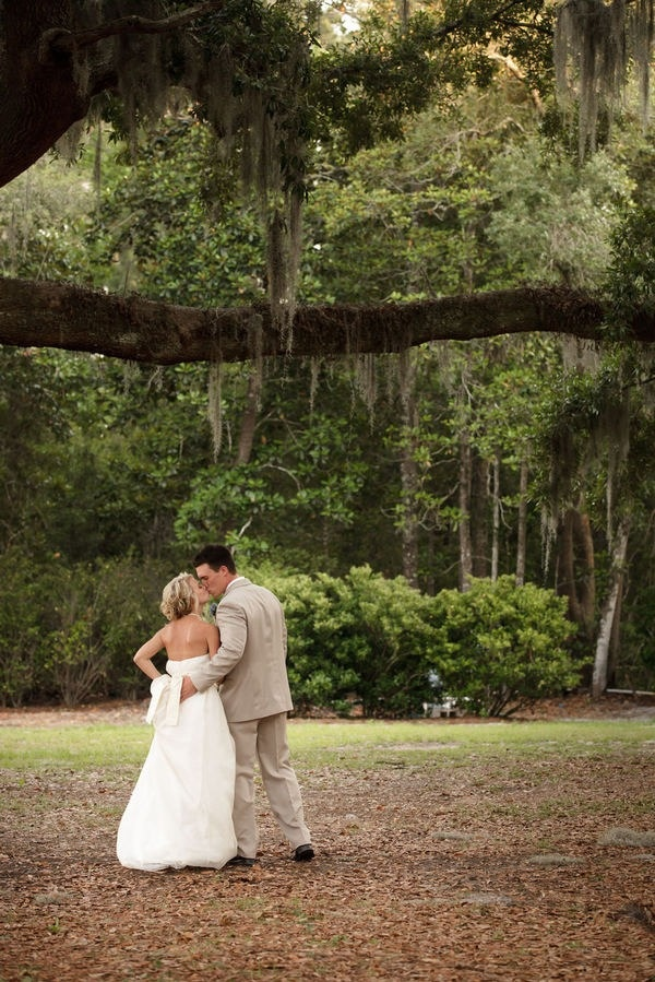 Best 25 Wedding under trees ideas on Pinterest  Girl wedding guest ideas Woods wedding