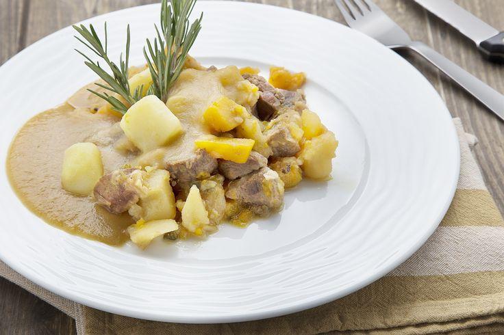 Gulasch di manzo con zucca e patate