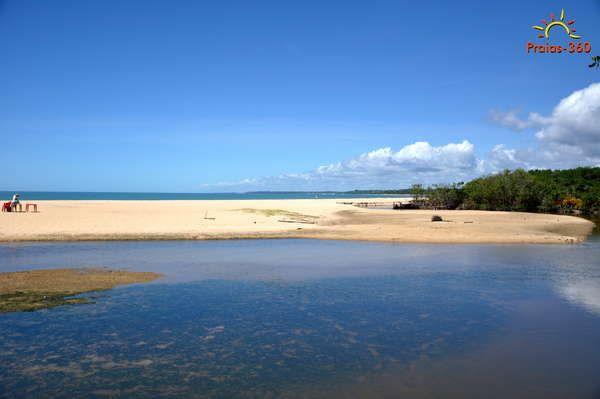 http://www.praias-360.com.br/img-600/ba/porto-seguro/ba-porto-seguro-praia-de-barramares-030.jpg