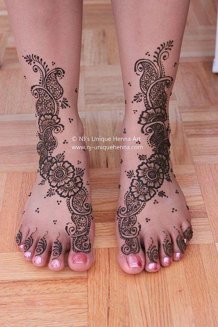 Paisley henna on feet