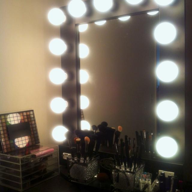 Broadway Lighted Vanity Mirror Diy : In LOVE w my Vanity Girl Hollywood Broadway mirror, MUJI acrylic cube and DIY Sephora Inspired ...