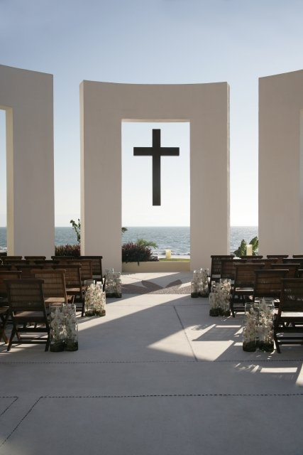 Walk down the aisle in a beautiful ocean-front garden, on a peaceful beach with an ocean breeze, or in a majestic ballroom with chic elegance.