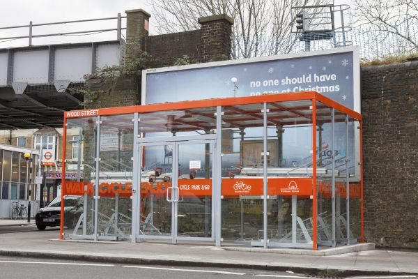 The third state-of-the-art cycle hub has officially opened at Wood Street station, providing additional secure cycle parking facilities to commuters within the London Borough of Waltham Forest. The sleek and unobtrusive cycle hub at Wood Street compliments the two existing cycle hub facilities installed within the borough, one at Walthamstow Central and the other at Leytonstone stations, which opened in August last year.