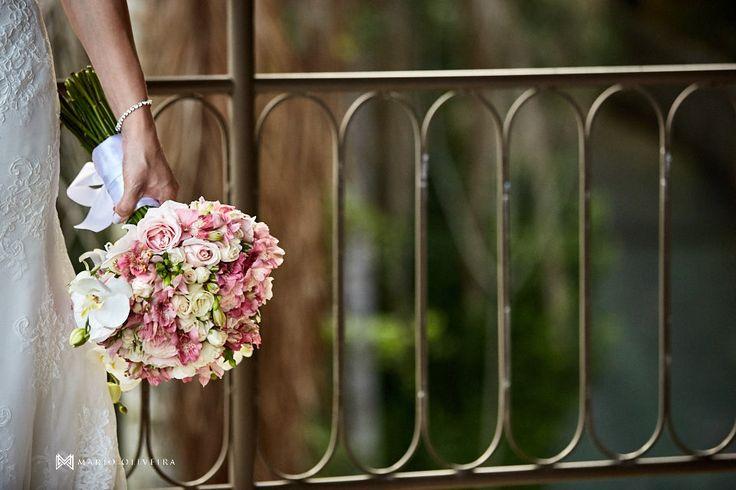 Um buquê lindo para inspirar uma nova etapa da sua vida!😍    www.mariooliveirafotografia.com
