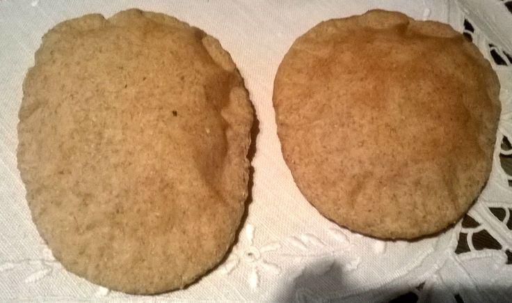 Mydło i powidło.: Pita pszenno-żytnia, ciasto z truskawkami