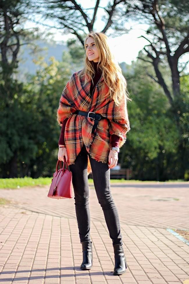 La bufanda manta vuelve a ser tendencia. ¿Cómo prefieres llevarla?: