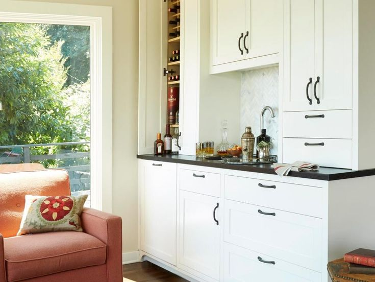 A White Wet Bar That Looks Amazing In Any Part Of The Home!
