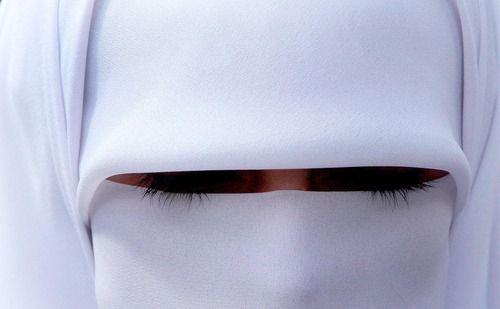 Burqa, carsaf,kapalı...
