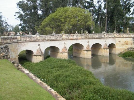Puente del Comnún en Chía, Cundinamarca, arquitectura del Virreinato.