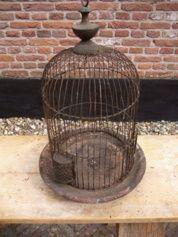 Ijzeren ronde vogelkooi