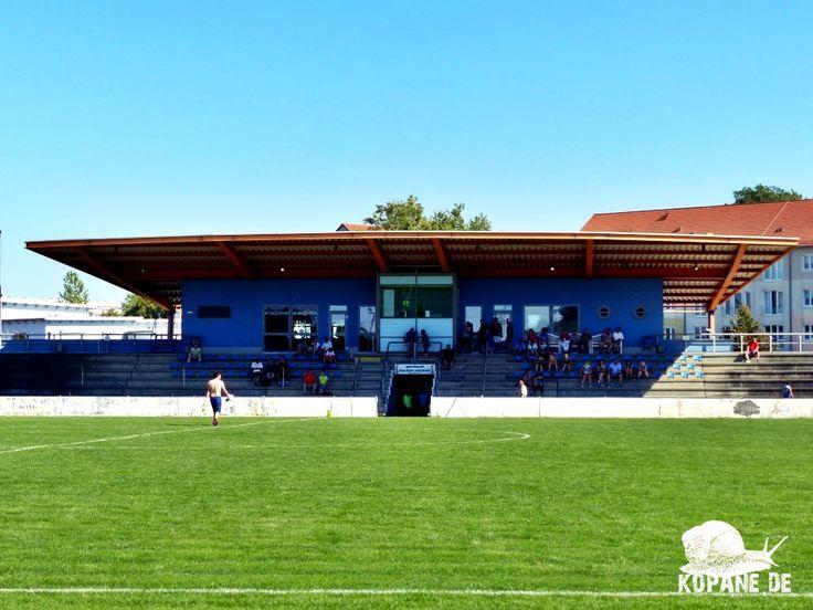 27.08.2016 Hoyerswerdaer FC e.V. – TSV Pulsnitz 1920 e.V. http://www.kopane.de/27-08-2016-hoyerswerdaer-fc-e-v-tsv-pulsnitz-1920-e-v/  #Groundhopping #Fußball #fussball #football #soccer #kopana #calcio #fotbal #travel #aroundtheworld #Reiselust #grounds #footballgroundhopping #groundhopper #traveling #heutehiermorgenda #floodlights #Flutlicht #tribuneculture #stadium #thechickenbaltichronicles #DasWochenendesinnvollnutzen #HoyerswerdaerFC #Hoyerswerda #TSVPulsnitz1920 #TSVPulsnitz #Pulsnitz