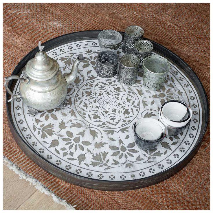 Het is net als de kers op de taart. De #Notre #Monde #Moroccan #Frost #Dienblad verdient een mooi plekje op tafel om gezien te worden tijdens een heerlijk kopje thee of koffie. | MisterDesign