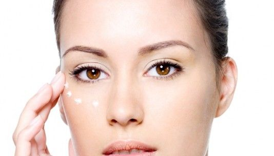 #Expertsinskin We all know what happens after big nights out, tired, puffy eyes.  Make bags a thing of the past with this handy hint. Simply dab a pin sized amount of Rejuvenate 15 Serum around your orbital rim to heal, soothe and repair. Then dab a pin sized amount of our Eye Believe over the top to tighten, firm and hydrate.