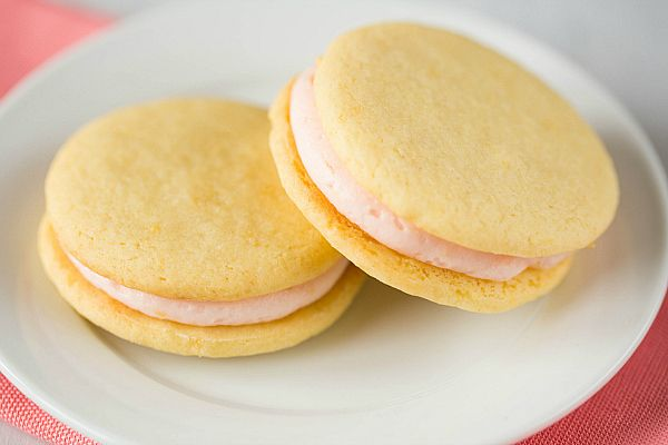 ... ! Pink Grapefruit Sandwich Cookies via @Michelle (Brown Eyed Baker