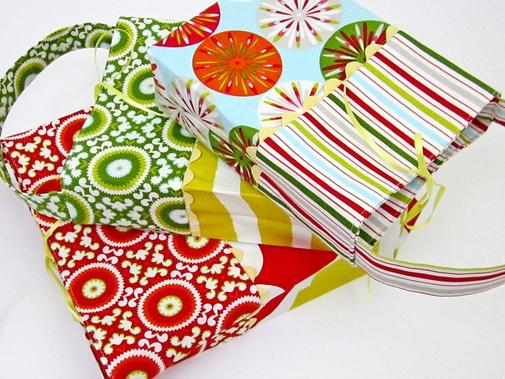 Re-imagine & Renovate Holiday Style: Small-Medium-Large Gift Bag Sets | Sew4Home