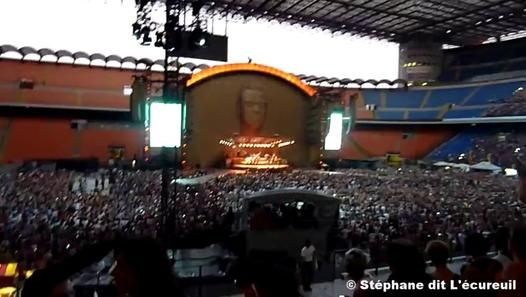 Robbie Williams en concert au Stade San Siro à Milan le mercredi 31 juillet 2013. #robbiewilliams #concert #video #italia #sansiro