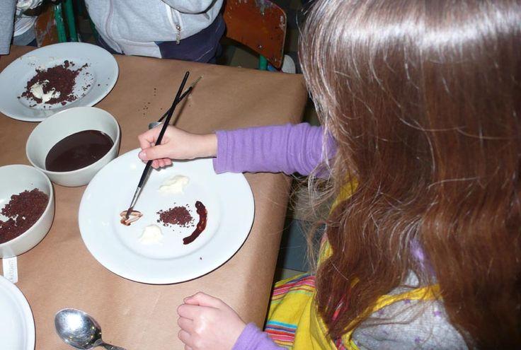Disegnare con la cioccolata bianca e nera