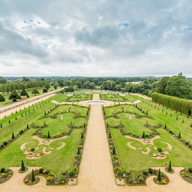 Hampton Court Today In 1995 The Privy Garden Was Re Opened After Four Years Of Detailed